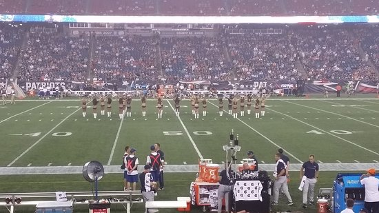 Foxboro, MA: Cheerleaders.