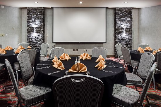 Hampton Inn Iowa City / Coralville : Hampton Inn Coralville Meetings