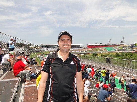 Interlagos Circuit: En las gradas preparandome para la emoción