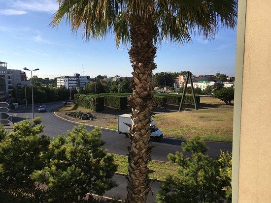 Appart'City Confort Montpellier Ovalie : La chambre ne devait pas donner sur le rond point !