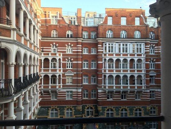 Buckingham Gate Hotel Reviews