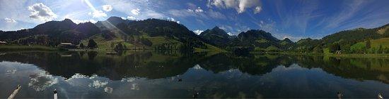 Ab Steg der Hotellerie am Schwarzsee
