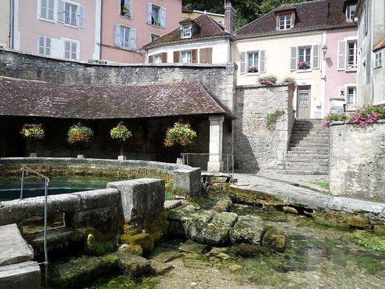 Tonnerre, Francia: L'entrata