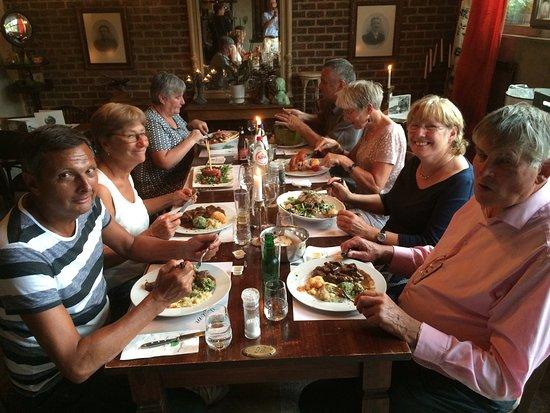 Anderlecht, Belgien: Een heerlijk familiedinner