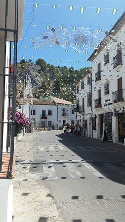Hotel Puerta de la Villa: 20160820_145945_large.jpg