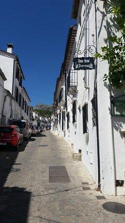 Hotel Puerta de la Villa: 20160820_131652_large.jpg