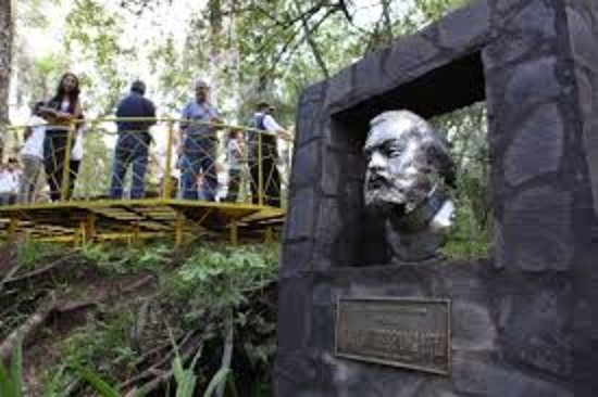 Pedro Juan Caballero, Paraguai: monumento al mcal lopez