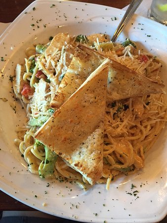 Portsmouth, RI: Cajun chicken Alfredo and Asian salmon salad - AMAZING