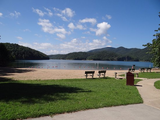 Lake Moomaw Beach