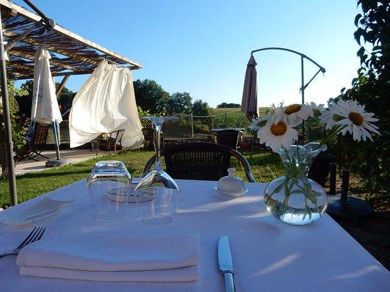 Saint-Avit-Senieur, Prancis: En terrasse un soir de juillet 2016