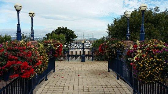 Sunken Gardens and North Pier
