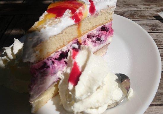 Hotellerie Carnegie Cottage: Jammie cake