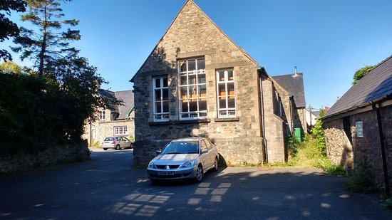 Newport -Trefdraeth, UK: Rear view of kitchen and lounge from Car park