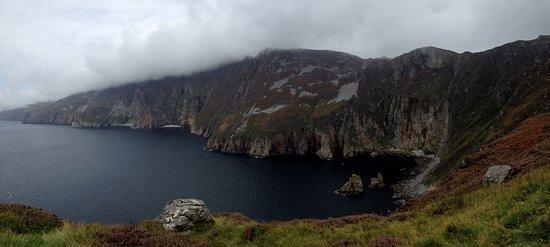Donegal Tours-Day Tours: Slieve League Cliffs (Highlander Tour)