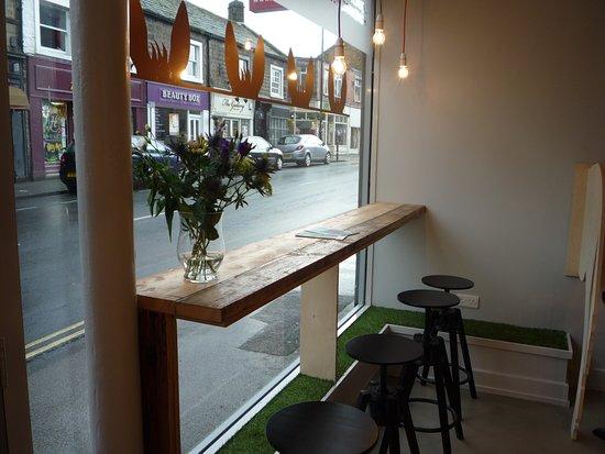 Otley, UK: Window seating