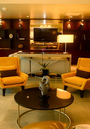 Delfines Hotel & Casino: Executive Lounge