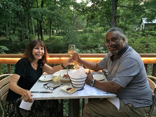 New Woodstock, NY: Quiet dinner with spouse