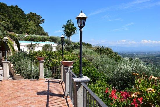 Nicotera, Italien: Uitzicht van het terras bij de kamer