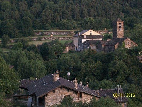 Buesa, España: Vista desde el jardín