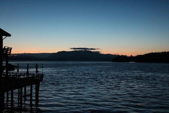 Quathiaski Cove, كندا: Sunset from our room