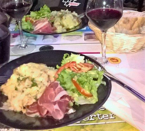 Aydat, Francia: Truffade