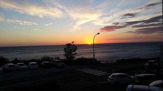 Sol Hotel: Vue du levé de soleil à partir de la terrasse