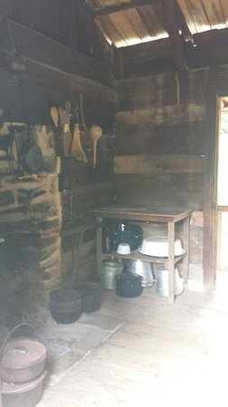 Mountain Farm Museum: 20160819_160135_large.jpg