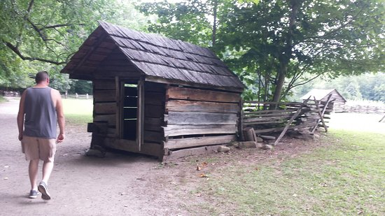 Mountain Farm Museum: 20160819_160407_large.jpg
