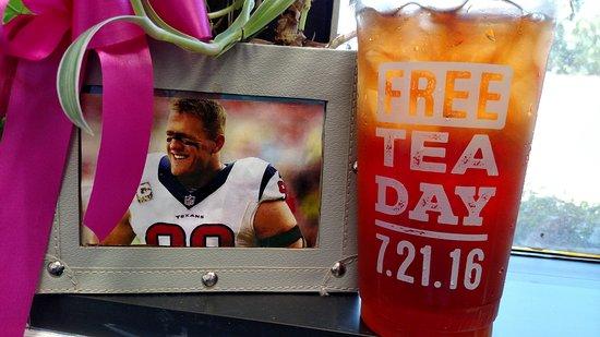 Spring, TX: Free Tea and J.J. Watt.....THAT'S a good day!!