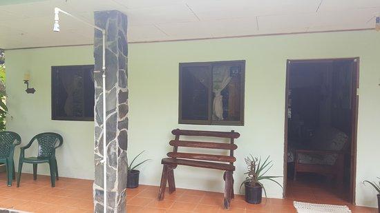 Casita Corcovado: de voorkant (straatkant)
