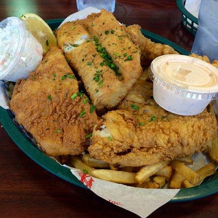 Des Plaines, IL: Fried Alaskan Cod