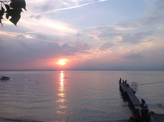 Camping Belvedere : The beach at sunset