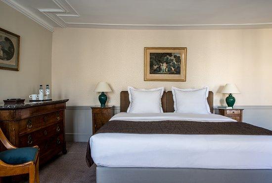 Hotel Mansart: A Deluxe room