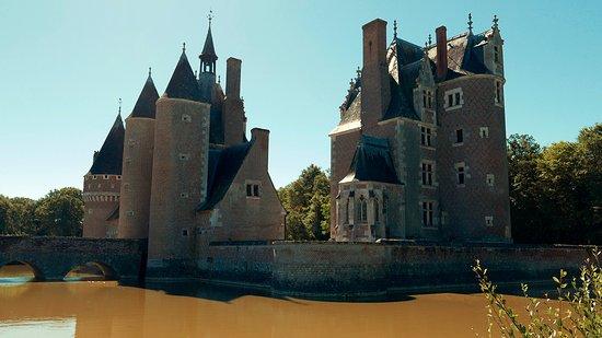 Lassay-sur-Croisne, França: chateau du moulin