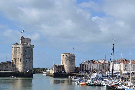 Vieux Port: Tour Saint Nicolas et Tour de la Chaîne à La Rochelle