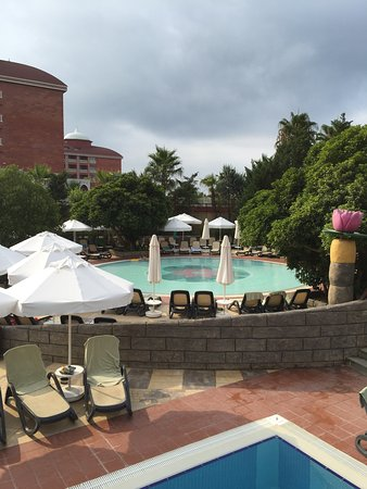 Royal Dragon Hotel: Pool are was The best thing about the place.
