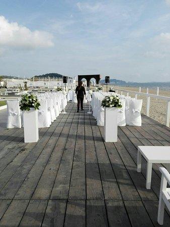 Matrimoni Spiaggia Napoli : Matrimonio sulla spiaggia foto di key beach park licola tripadvisor