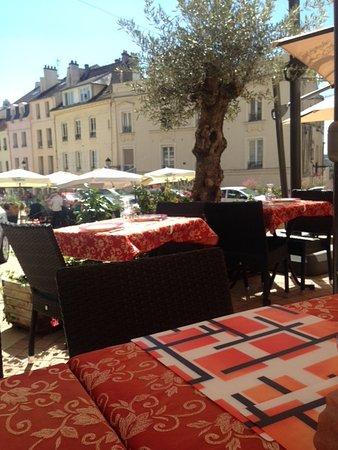 Pontoise, France: La terrasse