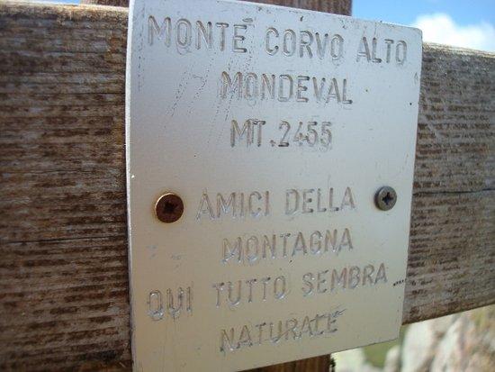 Selva di Cadore, Italy: Iscrizione sulla croce di vetta