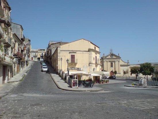 """Vizzini, Italien: Bar PIstone o """"Tre Canali"""""""