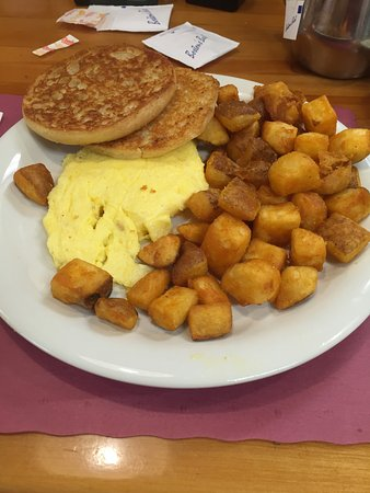Tewksbury, MA: Scrambled eggs, Grilled English & Home fries