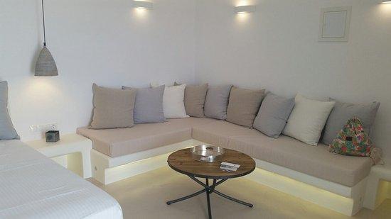 Anna Platanou Hotel & Suites: 20160804_135606_large.jpg