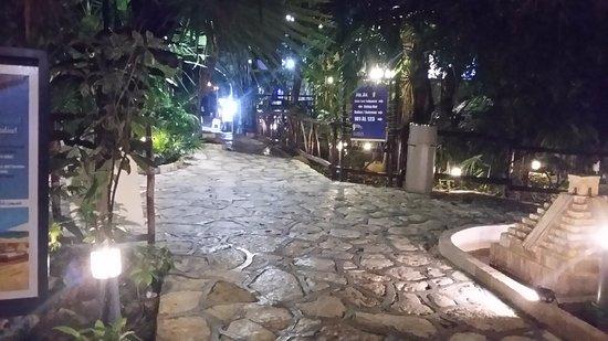 Hotel El Tukan: Entrada