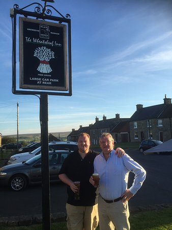 The Wheatsheaf Inn Restaurant and Bar: Outside the pub!