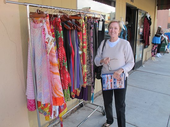 Cottonwood, AZ: Designer Clothing