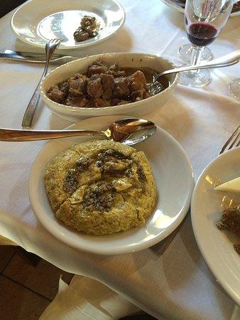 Preci, Italie : coratella cinghiale e frittats