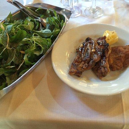 Preci, Italie : agnello e raponsoli
