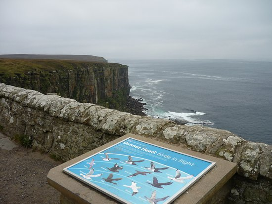 Thurso, UK: From here I was supposed to see the Orkney Islands but the weather wasn't so good .