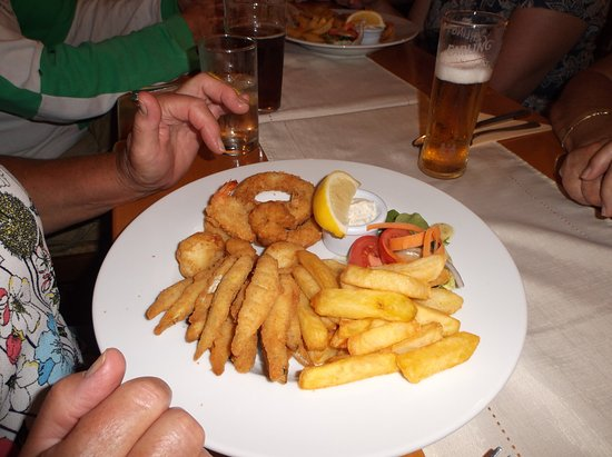 Wool, UK: Sea food platter.