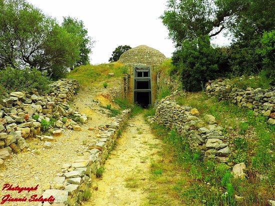 Καλό Νερό, Ελλάδα: Ο λόφος της Περιστεριάς στην Τριφυλία,